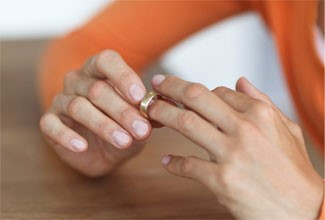 دلایل مهمی که زن بر اساس آن می تواند درخواست طلاق دهد کدامند؟