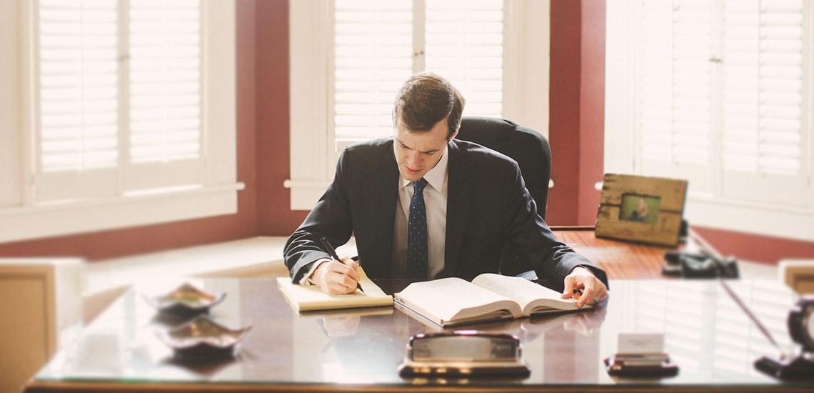در انتخاب وکیل کلاهبرداری باید به چه نکاتی توجه نمود؟