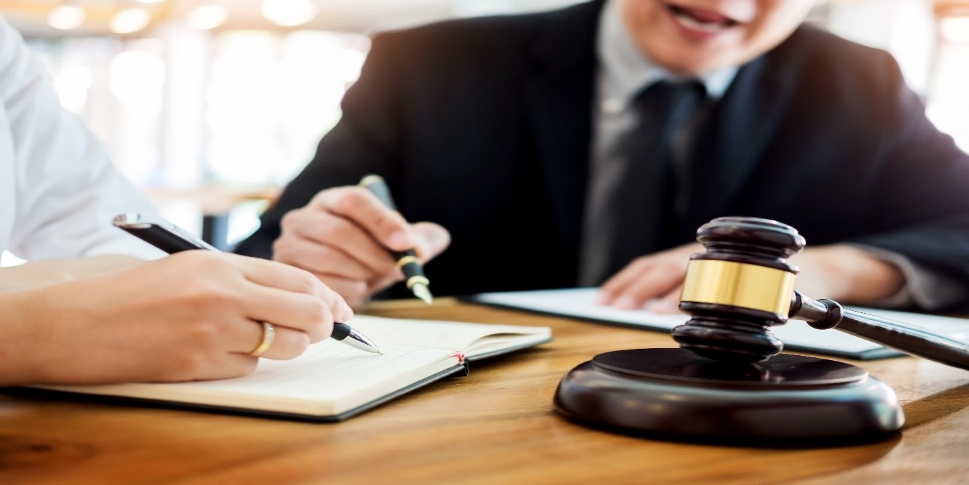 وکیل کلاهبرداری کیست؟