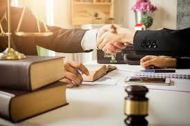 وکیل به چه کسی گفته می شود؟