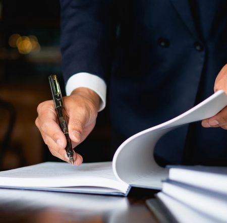 مزایای استفاده از وکیل کلاهبرداری در شکایت کلاهبرداری چیست؟