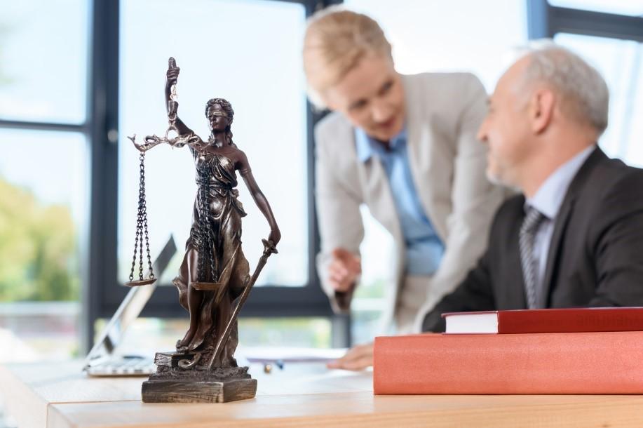 شرایط فسخ قرارداد وکالت به چه صورتی می باشد؟
