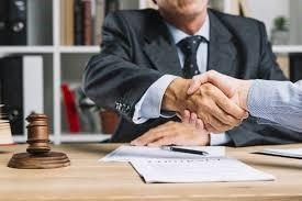 نحوه پرداخت هزینه حق الوکاله وکیل و تمبر مالیاتی پس از عقد قرار داد
