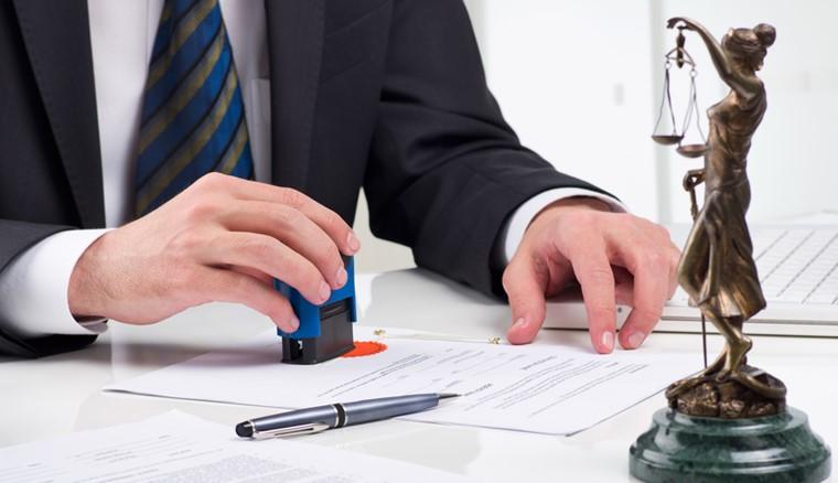 یک وکیل خوب باید چه ویژگی هایی داشته باشد؟