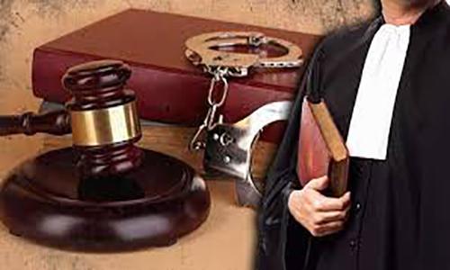 تعهد وکیل به تقدیم حساب دوران وکالت و استرداد اموال و اسناد موکل به چه صورت می باشد؟