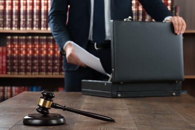 ۱۴- آیا در پرونده های مربوط به اعسار حق داشتن وکیل وجود دارد؟