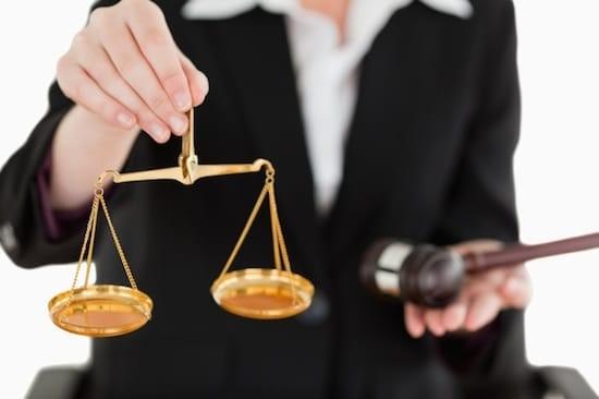 خصوصیات وکیل تضمینی خوب دیوان عدالت اداری چه می باشد؟