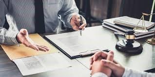 آیا می دانید بازار کار و فرصت های شغلی وکالت به چه صورتی می باشد؟
