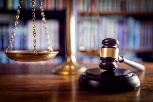 قلمرو تعهدات وکیل تضمینی دیوان عدالت اداری به چه صورت است؟