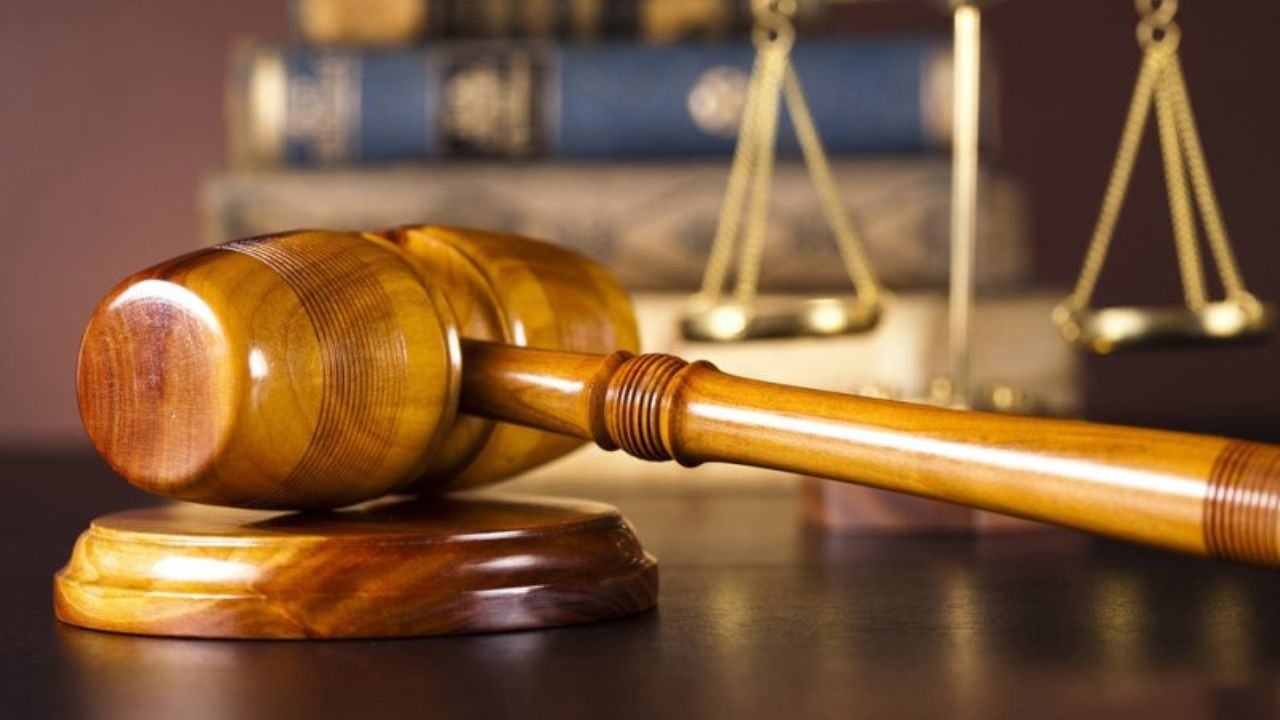 تفاوت وکیل پایه یک دادگستری و وکیل پایه دو دادگستری را بیان کنید؟