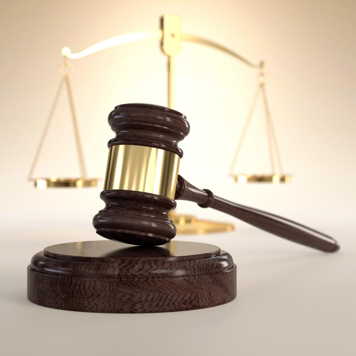 وکیل کیفری به طور کلی چه کمک هایی به موکل خود می کند؟