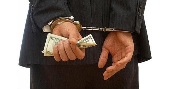 جرایم اقتصادی چه رابطه ی با جرایم مالی دارد ؟