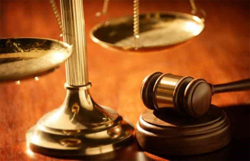 آیا در دادخواست ارائه شده به دیوان عدالت لازم است که اطلاعاتی از طرف شکایت نیز ثبت شود؟