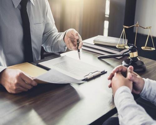 ویژگی ها و خصوصیاتی که بهترین وکیل کیفری باید داشته باشد کدامند؟