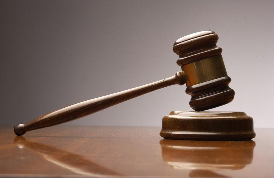 جرایمی که از نظر قانون در رده ی جرم های کیفری می باشند شامل موارد زیر خواهد بود: