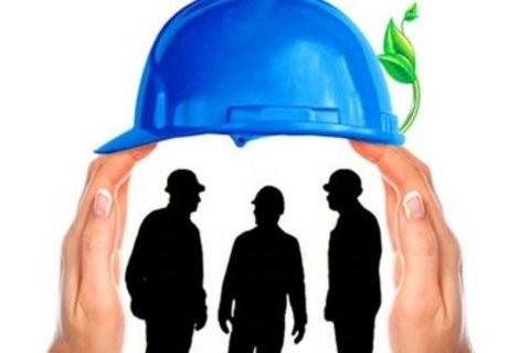 وکیل اداره کار باید به چه تعهداتی نسبت به دفاع از حقوق کارگران عمل نماید؟