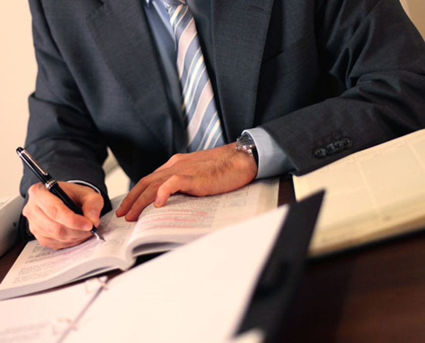 قرارداد کار به چه منظوری تهیه می شود و باید چه الزاماتی را در برگیرد؟