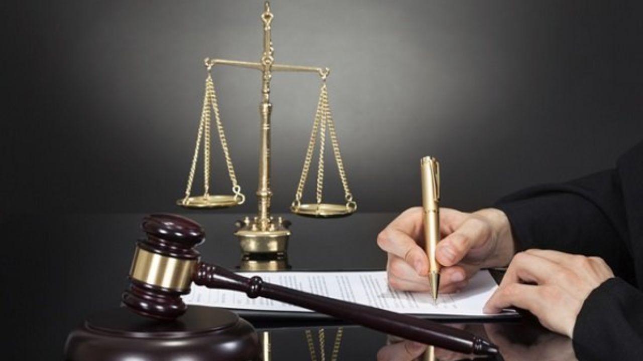 یک وکیل برای قبول پرونده های دیوان عدالت اداری باید چه مشخصاتی داشته باشد؟