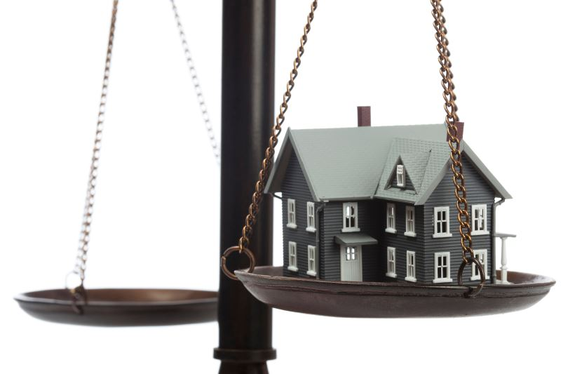 فردی که خود را وکیل ملکی معرفی می کند باید چه ویژگی هایی داشته باشد؟