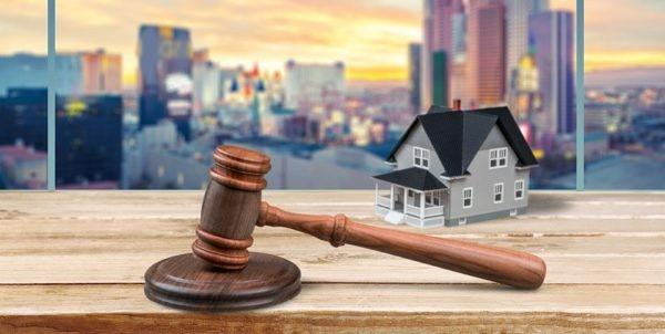 به چه علت مراجعه به وکیل ملکی اهمیت دارد؟