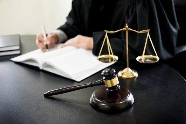 قبل از انتخاب وکیل دیوان عدالت اداری باید به چه نکاتی توجه کنیم؟