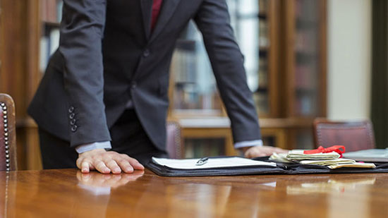 یک وکیل کیفری خوب از چه ویژگی هایی برخوردار است؟