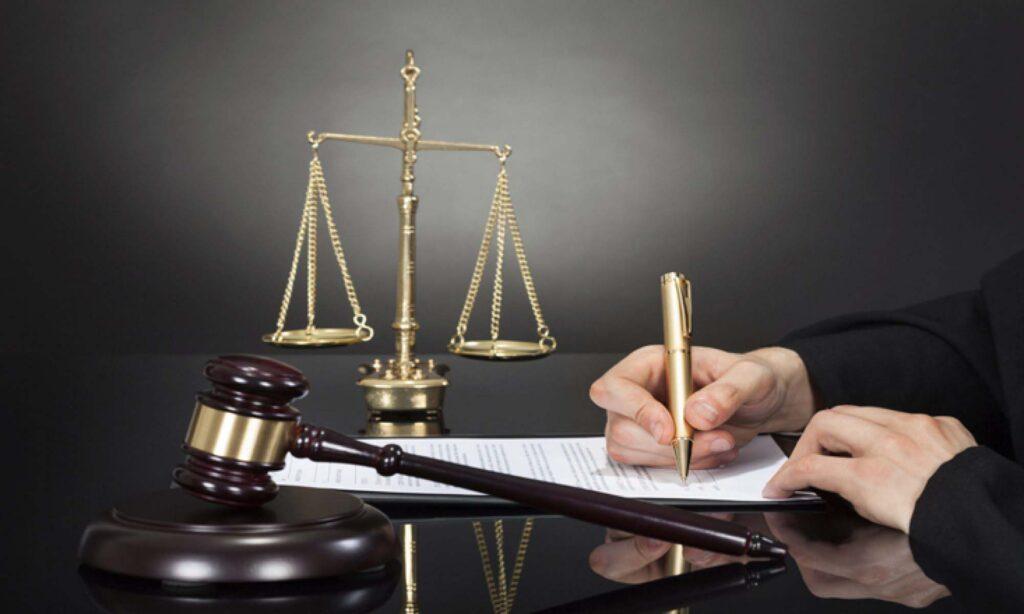 وکیل-در-اصفهان