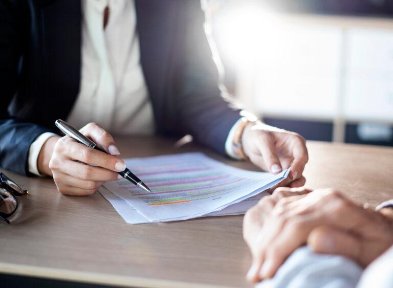 کسب مشاوره حقوقی از مشاور حقوق بانکی